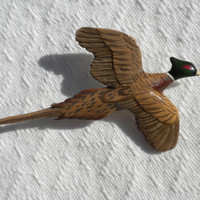 Ring Neck Pheasant Brooch 1960s Male Game Bird Pin In Flight Mid Century Figural Woodland Figure Painted Vintage Plastic Nature Art Unisex