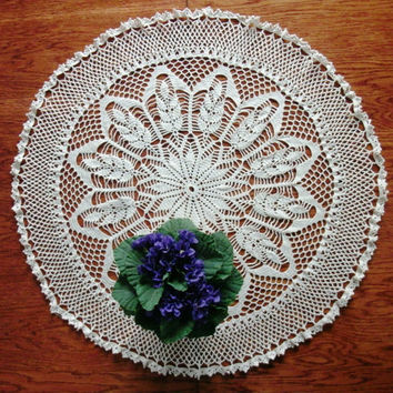 Round table topper 26 inches Centrepiece Lace crochet table topper Light beige table topper Big doily Large doily Lace round doily