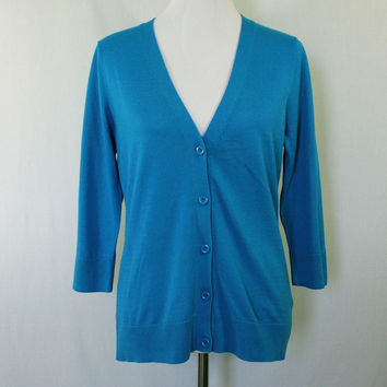 Cerulean blue knit v-neck cardigan with 3/4 sleeves