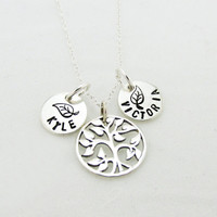 Sterling Silver Family Tree Necklace, Personalized Family Tree of Life, Mommy Name Jewelry, Gift for Mom, Grandma, Noni, Nana, Mothers Day