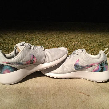 Nike Roshe Run Aquaberry Galaxy