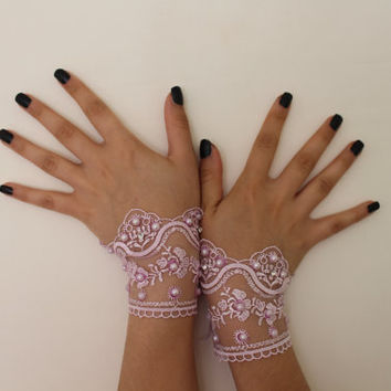 Wedding Gloves,lilac lace bridal gloves, bridal headlines ,fingerless, pearl processing, lace gloves,