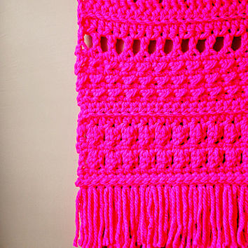 Modern Neon Pink Tapestry / Boho Wall Hanging / Fringe Tapestry /  Crochet / Hand Woven / Neon Pink / Rustic Textile / Modern Home Décor