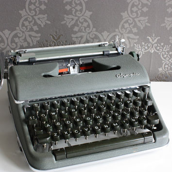Vintage German Typewriter - Olympia SM3 - Great Condition