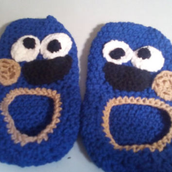 cookie monster slippers and mittens set