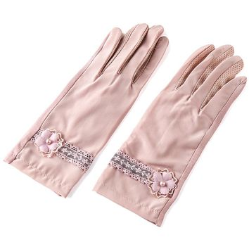 REALBY Female Ice Silk Cool Gloves Vintage Lace With Floral Print Summer Solid luvas de inverno Sunscreen Driving Gants