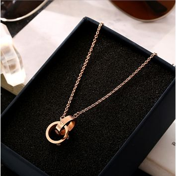 Cartier:Fashion new double ring pendant necklace female rose gold titanium steel short clavicle chain
