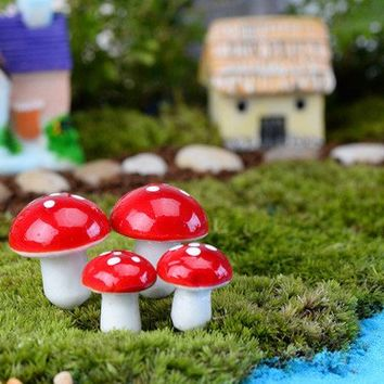 Pack of 5 Mini Red & White Plastic Mushroom Ornaments. 25mm diameter. Lightweight. Perfect for Fairy Dollhouses, Plant Pots and Gardens