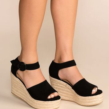 Head In The Clouds Black Wedges