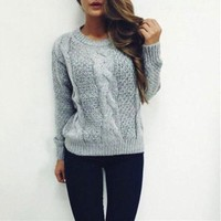 Women's Round Neck Long Sleeved Knitted Sweater