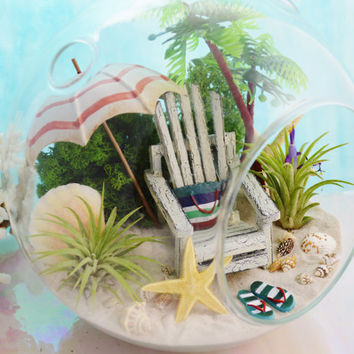 "Beach Terrarium ~ Beach Umbrella and Beach Chair ~ 2 Air plants ~ 7"" Glass Round Globe ~ Palm Tree ~ Beach Decor ~ Great Gift Idea"