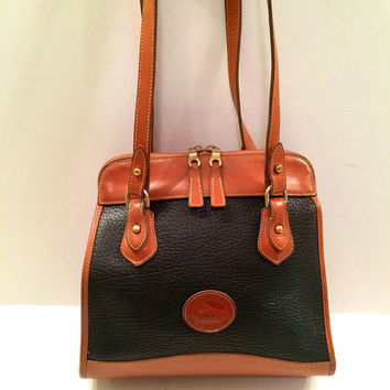 Vintage Dooney and Bourke Black Pebbled Leather Shoulder handbag satchel