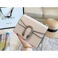 GUCCI 2019 new classic tiger head chain bag shoulder diagonal cross bag wine god bag white