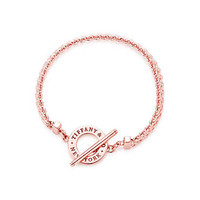 Tiffany & Co. - Tiffany Somerset™ toggle bracelet in RUBEDO® metal, medium.