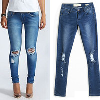 Fashion hole loose jeans T15011003 – Larue Apparel