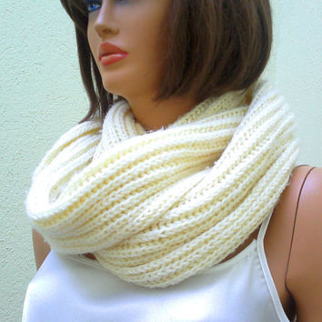 Circle scarf, mens scarf, knitted infinity scarf, in ivory/cream, crochet cowl, neck warmer, gift for her, gift for him, valentines gift