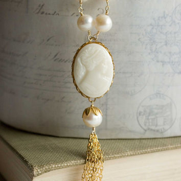 pearl and cameo necklace white vintage glass cameo beaded chain necklace