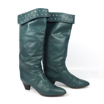 Charles David Boots Vintage 1980s Green Leather Heeled Studded Women's size 8 1/2 AA