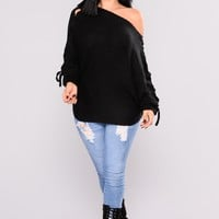 Cross Town Sweater - Black