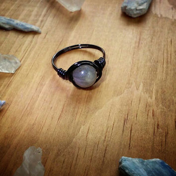 Labradorite Wire Ring, Black and Gray Stone Wire Ring, Alternative Grunge Style Hippie Rings