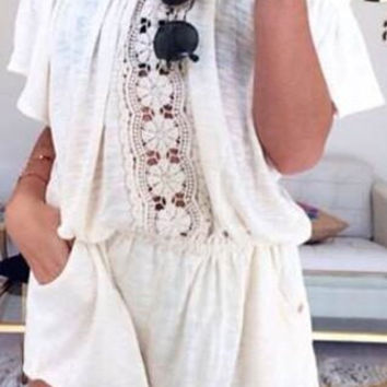 White Slash Collar Lace Splicing Romper