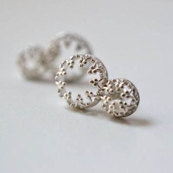 There is no queen without a crown II - post silver earrings