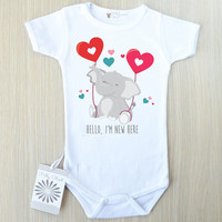 Hello I'm New Here Bodysuit. Cute Baby Clothes. Baby T- Shirt  with sayings. Coming Home Outfit. Funny Text Baby Boy Clothes.