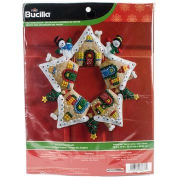"Gingerbread Bucilla Felt Wreath Applique Kit 17"" Round"