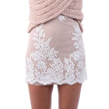 GS117 Woman Floral Embroidery Mesh Scalloped Lace Mini Skirt Pencil Skirt