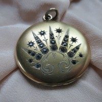 Antique Paste Locket in Gold Fill
