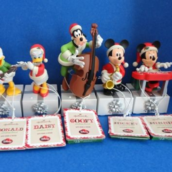 2013 Hallmark Disney Wireless Band Set of Five