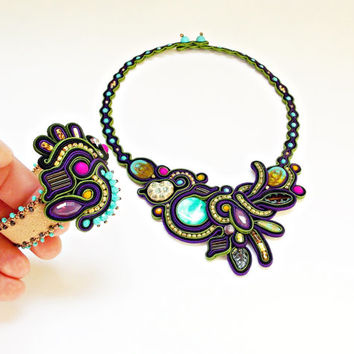Handmade soutache set. Soutache jewelry. Flashy necklace. Adjustable cuff bracelet. Purple, olive, black necklace. Statement handmade set.