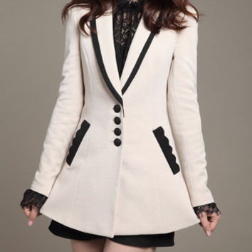 Winter Coat/Woman coat/ Woman Jacket/Tunic/Short Jacket/ Woolen Coat/ Cashmere Coat/ Hooded Jacket/ Long Sleeves/Woman Tunic in White