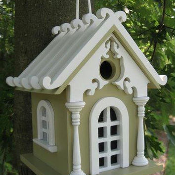 Outdoor Garden Birdhouse - Fully Functional