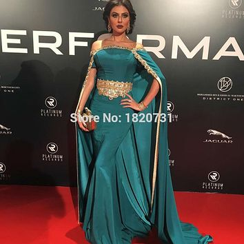 2017 New Fashion Hot Sale Arabic Cape Dresses Gold Decals Evening Gowns Boat Neck Lace Embroidery with Shawl Evening Dress