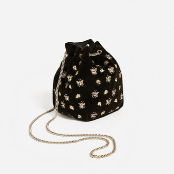 EMBROIDERED BEES BUCKET BAG