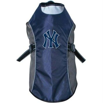 DCCKT9W New York Yankees Water Resistant Reflective Pet Jacket