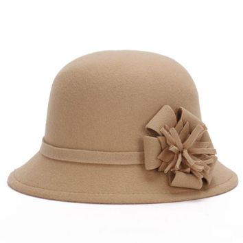 HT1209 New Autumn Winter Female Cloche Hats Ladies England Retro Imitate Wool Felt Hats Handmade Flower Bucket Hats for Women