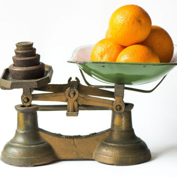 Vintage Cast Iron Scale - Balance Scale Retro - Old Weight Scale - Industrial Scale - Kitchen Décor Scale