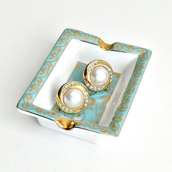 Vintage Sarah Coventry Earrings, Gold Tone Pearl & Rhinestone Earrings, Hinged Clip On, Signed SC Designer Earrings.