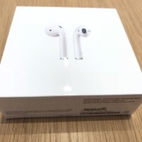 NEW Genuine Apple AirPods MMEF2AM/A White Bluetooth Wireless Headphones + Case