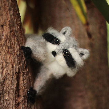 Poseable Needle Felted Raccoon Sculpture, Needle Felted Animal, Felt Raccoon Figurine, Raccoon Soft Sculpture, Felt Animals, Woodland Animal