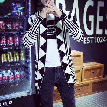 Men's autumn and winter new V-neck geometric pattern sweater Slim knitted cardigan