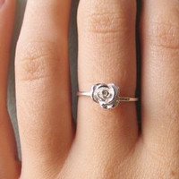 verameat | rose ring in silver