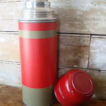 Vintage Thermos Aladdin Tan and Cherry Red Stripped  Made In the USA Nashville Tenn