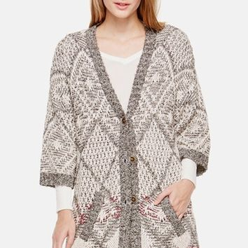 Women's Two by Vince Camuto Diamond Jacquard V-Neck Cardigan,