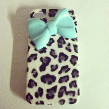 iPhone 4 and iPhone 4S Gray Cheetah withTiffany Blue Girly Bow case