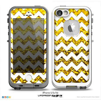 The White Chevron Gold Glimmer Skin for the iPhone 5-5s Fre LifeProof Case