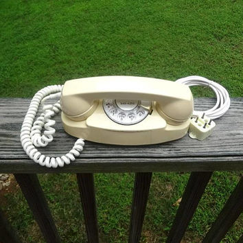 1970 Vintage Princess Rotary Dial Ivory Telephone by Western Electric, Bell System, Non-Removable Cords, Vintage Phone, Home Decor, Old Tech