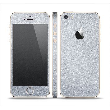 The Silver Sparkly Glitter Ultra Metallic Skin Set for the Apple iPhone 5s